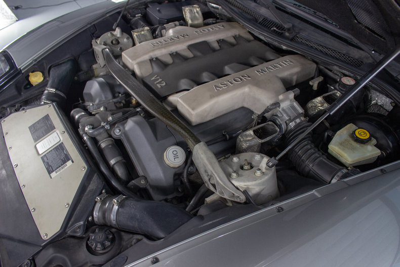 2003 Aston Martin Vanquish 12