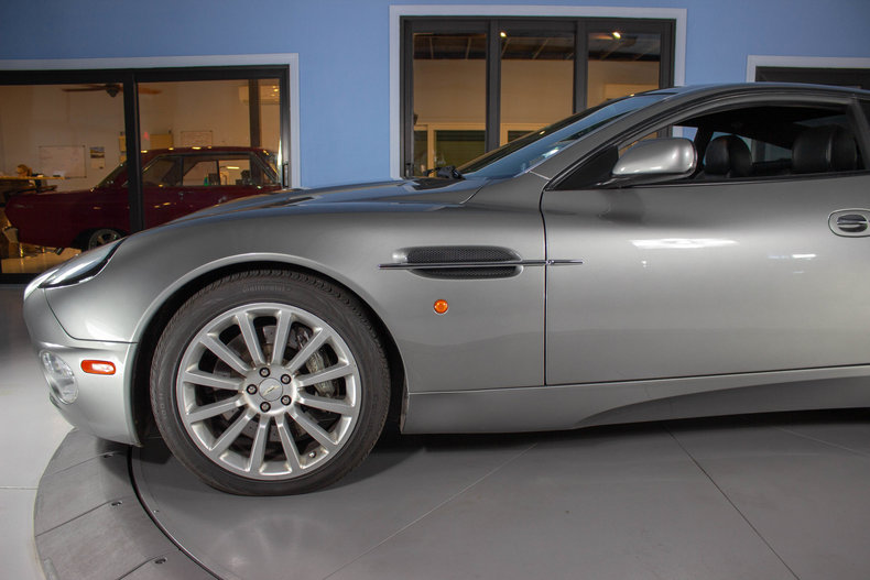 2003 Aston Martin Vanquish 13