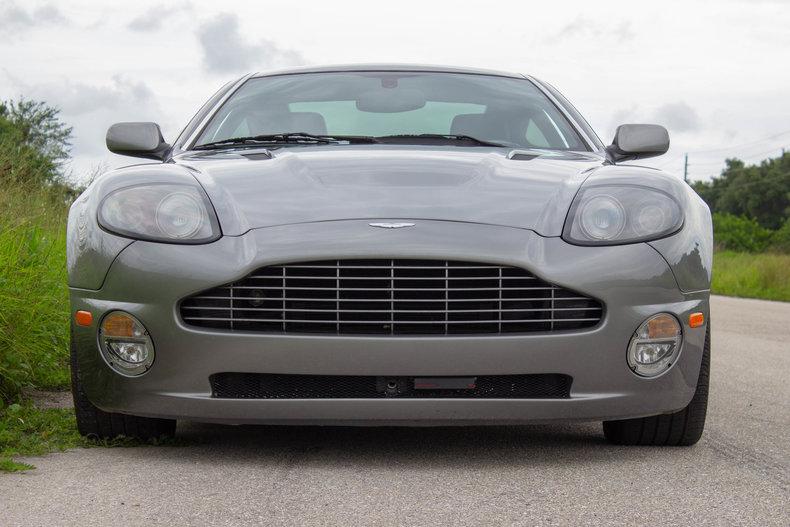 2003 Aston Martin Vanquish 36