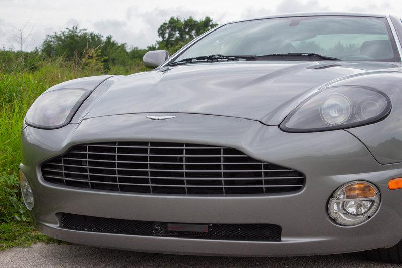 2003 Aston Martin Vanquish 37