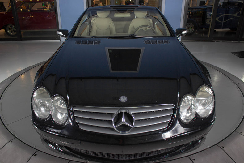 2004 Mercedes-Benz SL500 17