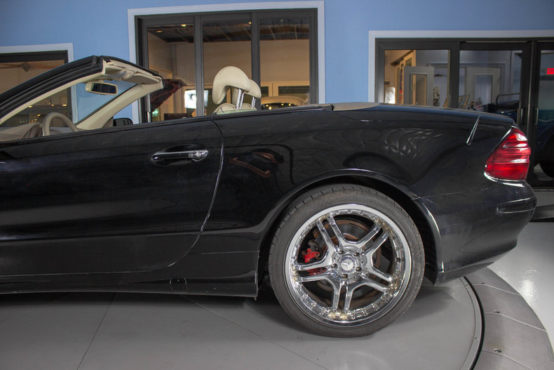2004 Mercedes-Benz SL500 25