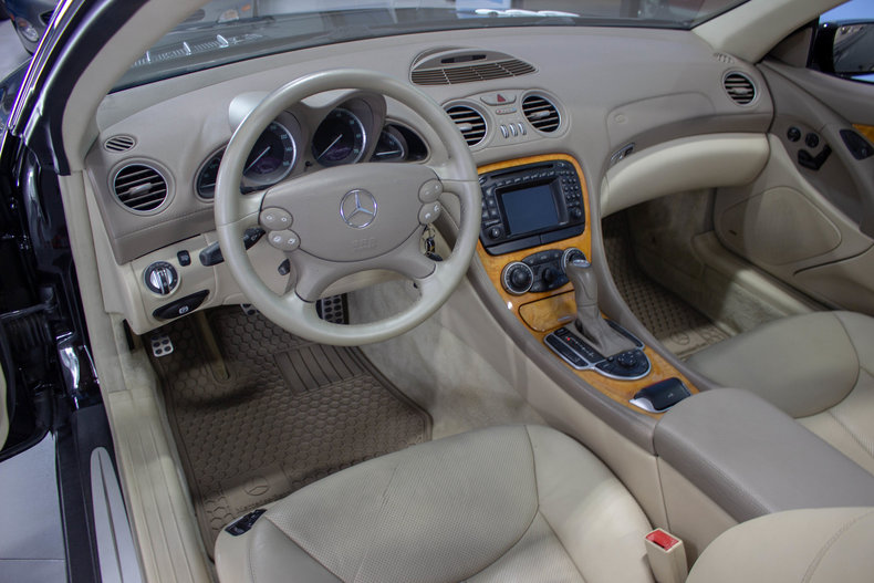 2004 Mercedes-Benz SL500 33