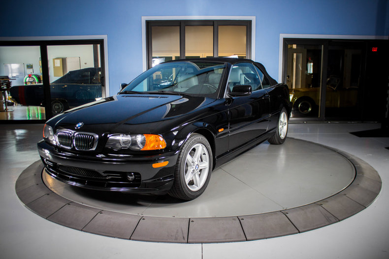 2002 BMW 325Ci 1