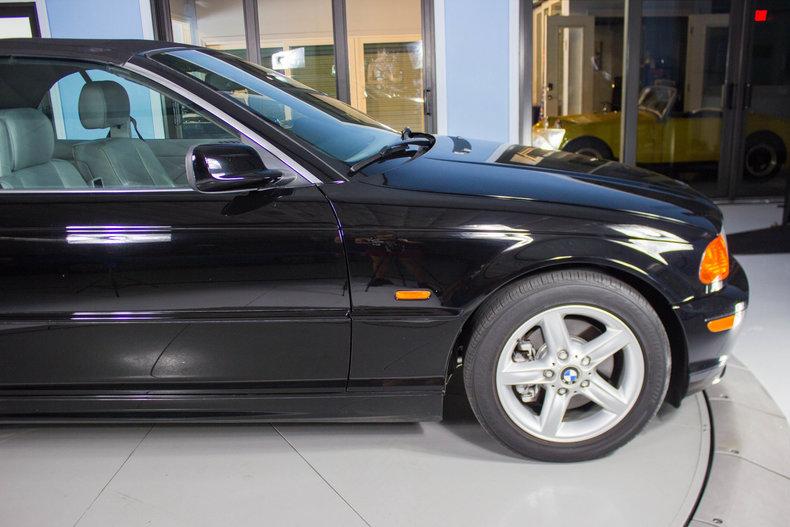 2002 BMW 325Ci 16