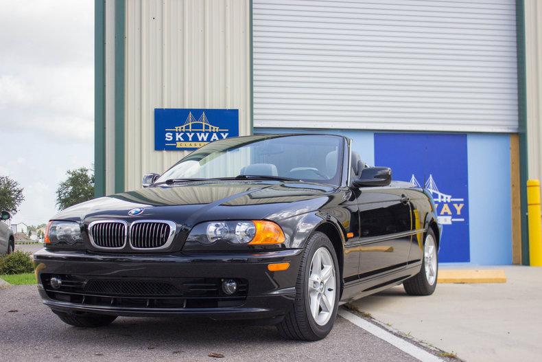 2002 BMW 325Ci 32