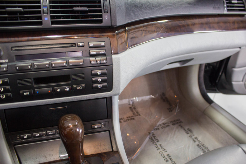 2002 BMW 325Ci 26
