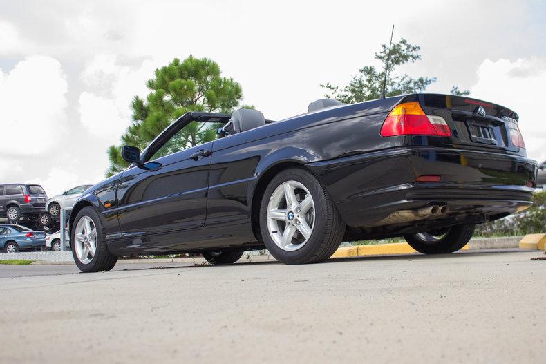 2002 BMW 325Ci 38