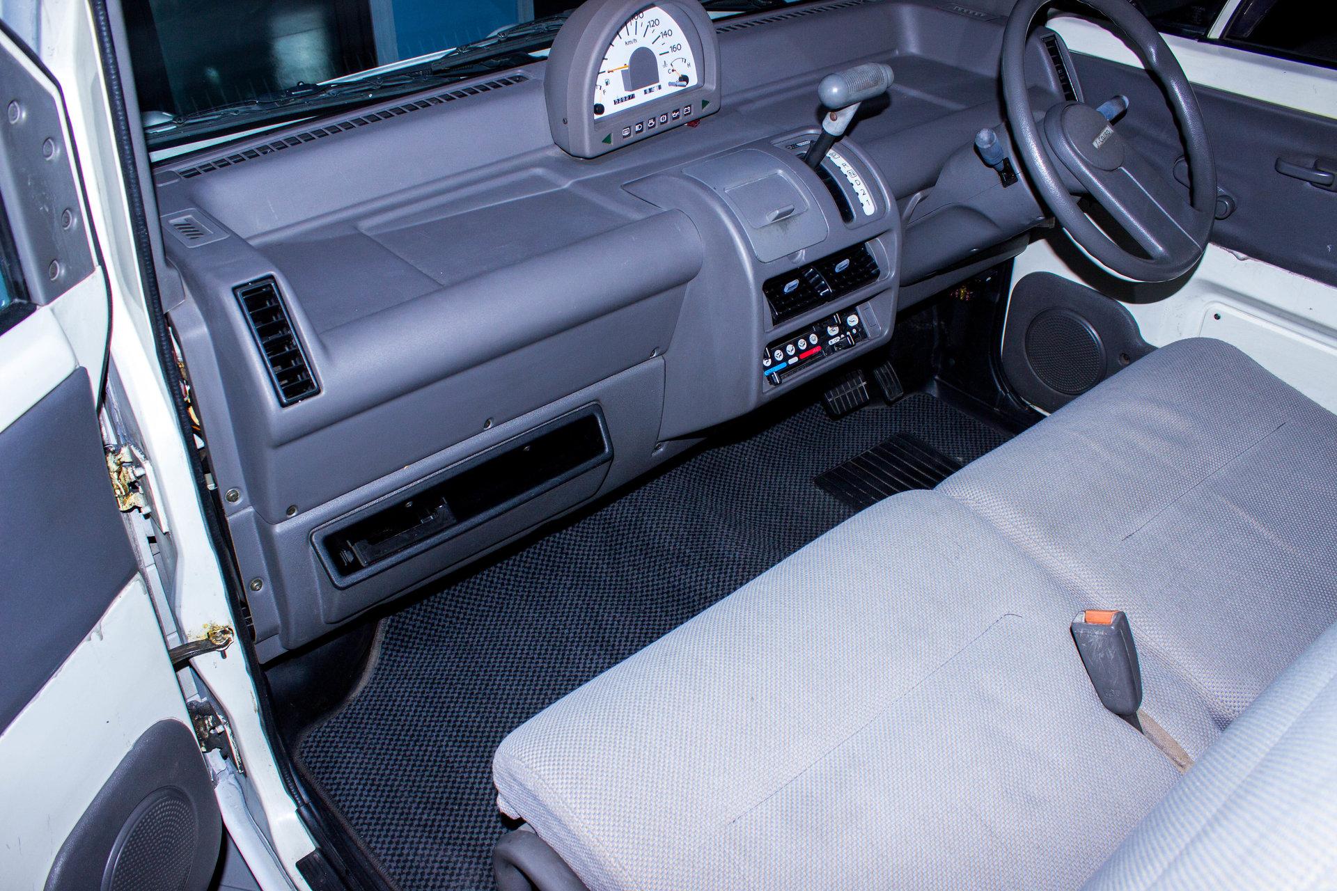 1989 nissan s cargo for sale 69866 mcg. Black Bedroom Furniture Sets. Home Design Ideas