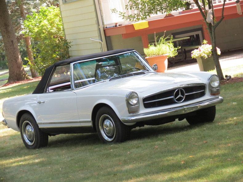 1967 Mercedes-Benz 230SL | Silverstone Motorcars
