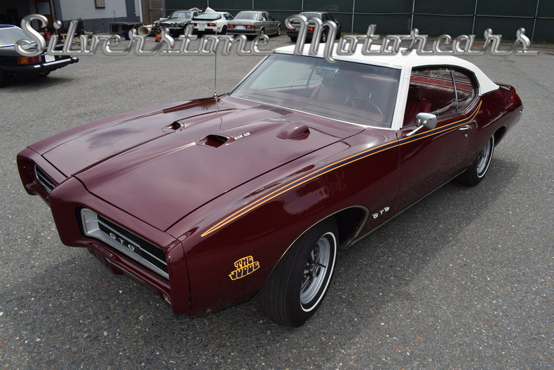 One Year Only: 1969 Pontiac Custom S Driving Project | Bring a Trailer