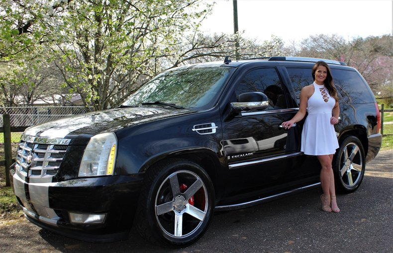 2008 Cadillac Escalade - Smokey Mountain Auto Sales