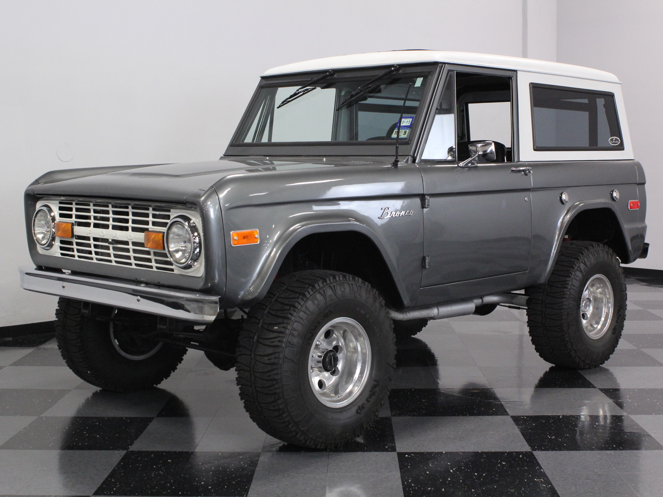 1970 Ford Bronco | Streetside Classics - The Nation's ...