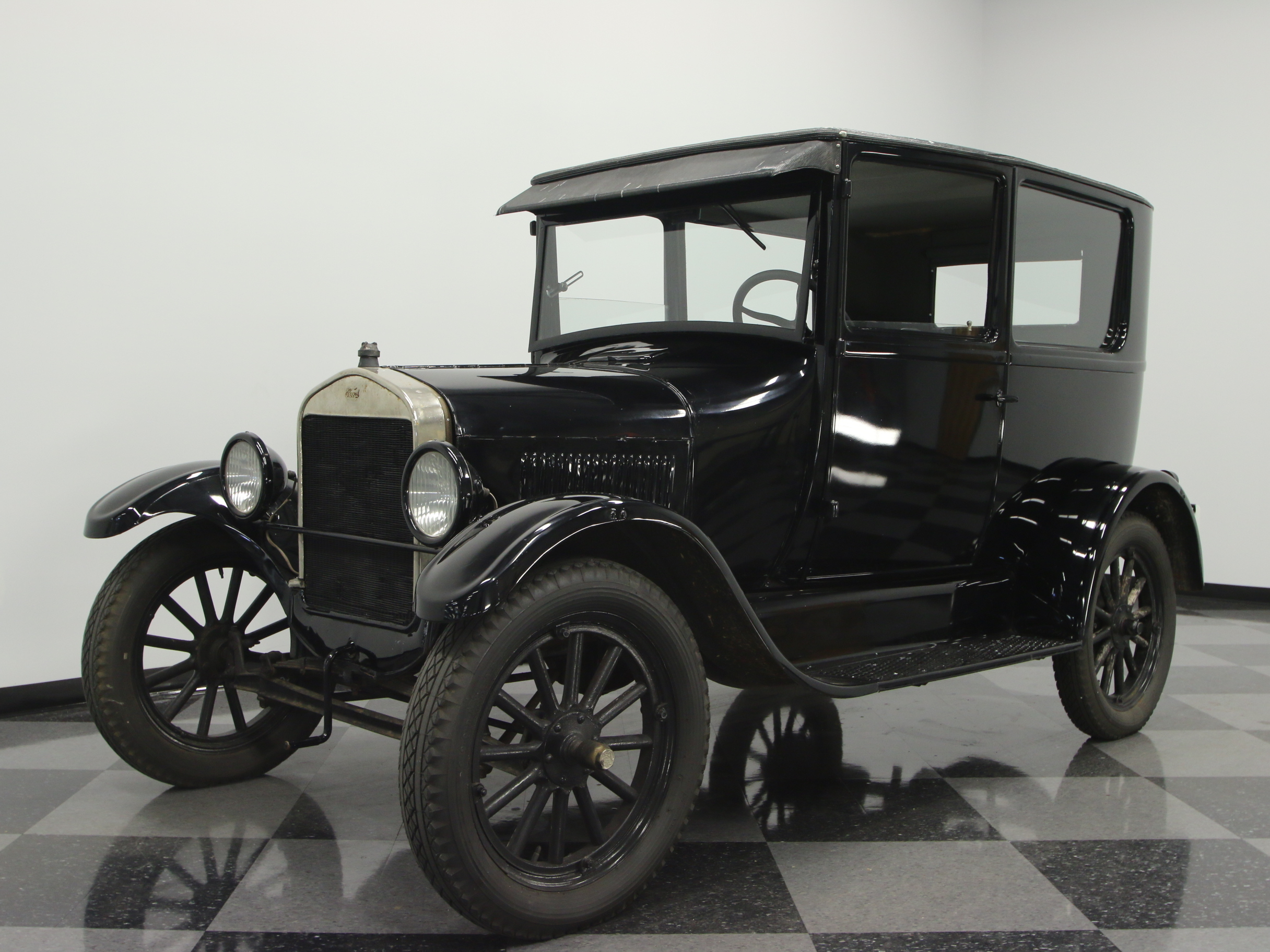 1926 ford model t streetside classics the nation 39 s. Black Bedroom Furniture Sets. Home Design Ideas