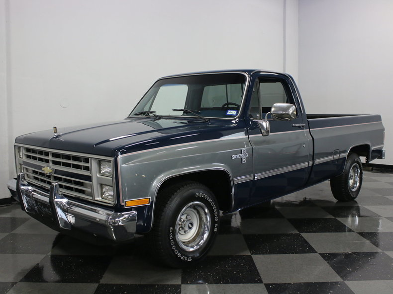 1986 Chevrolet C10 Silverado on 1972 gmc 4x4 interior
