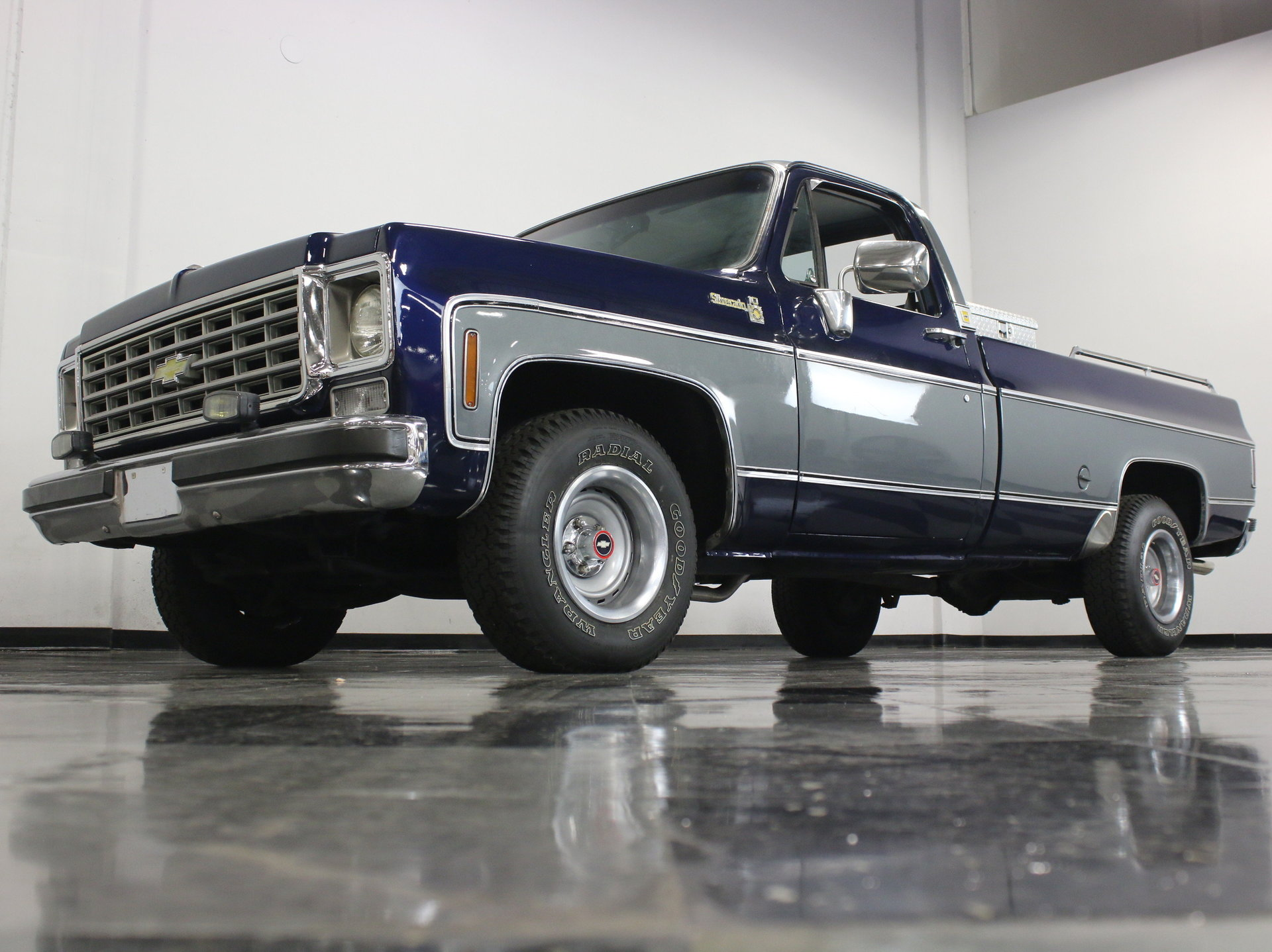1976 Chevrolet C10 Streetside Classics The Nations Trusted Chevy Custom Deluxe Truck View 360