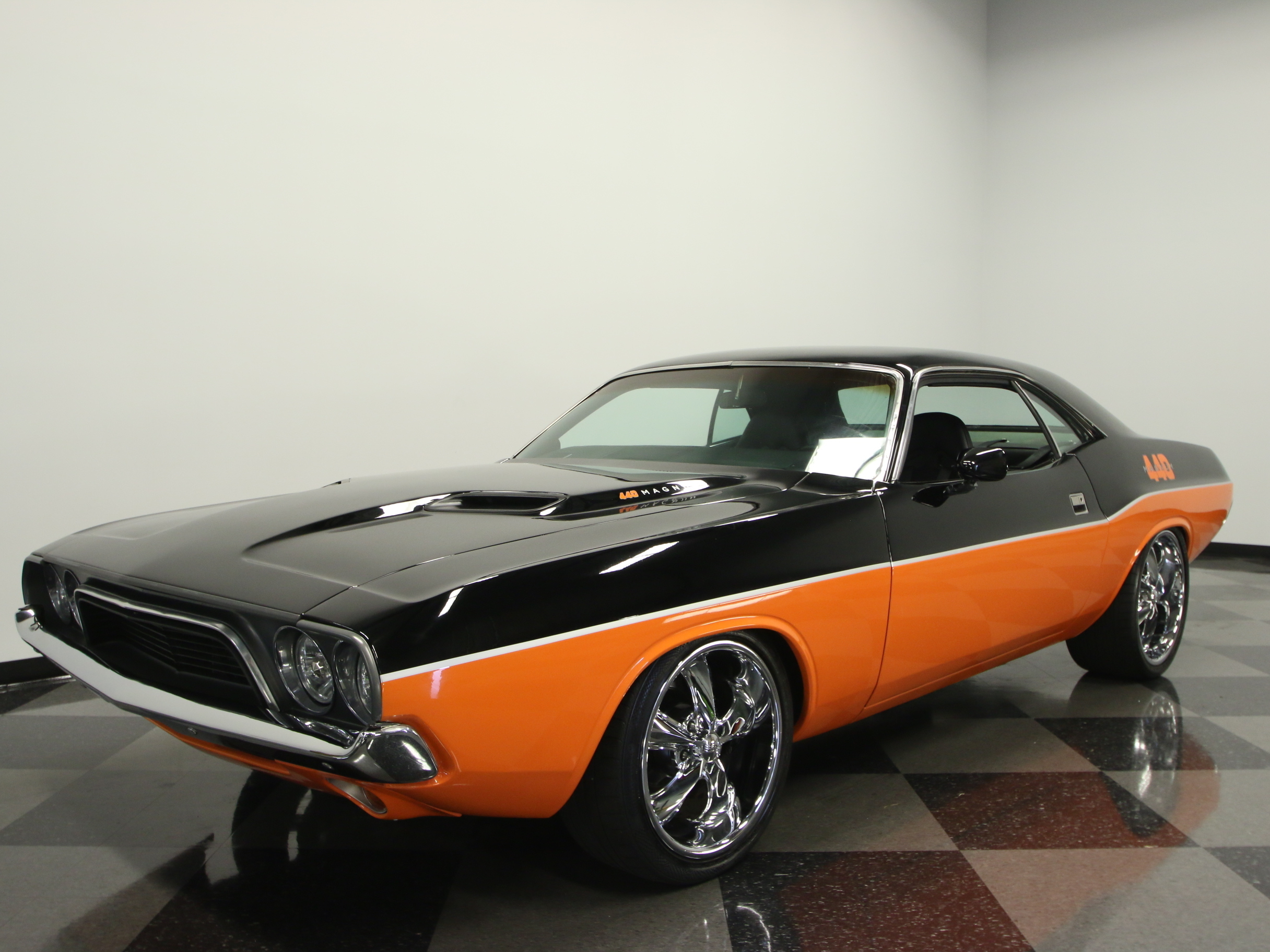 1972 Dodge Challenger : SERIOUS RESTOMOD, 482 HP BUILT 440, A727, HOTCHKIS, 4 WHL DISC, SLICK PAINT/BODY