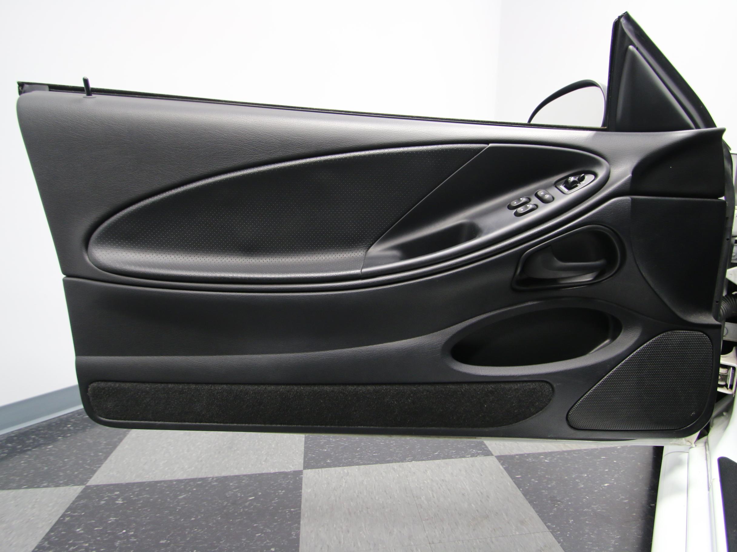 0395-NSH | 1995 Ford Mustang Cobra | Streetside Classics