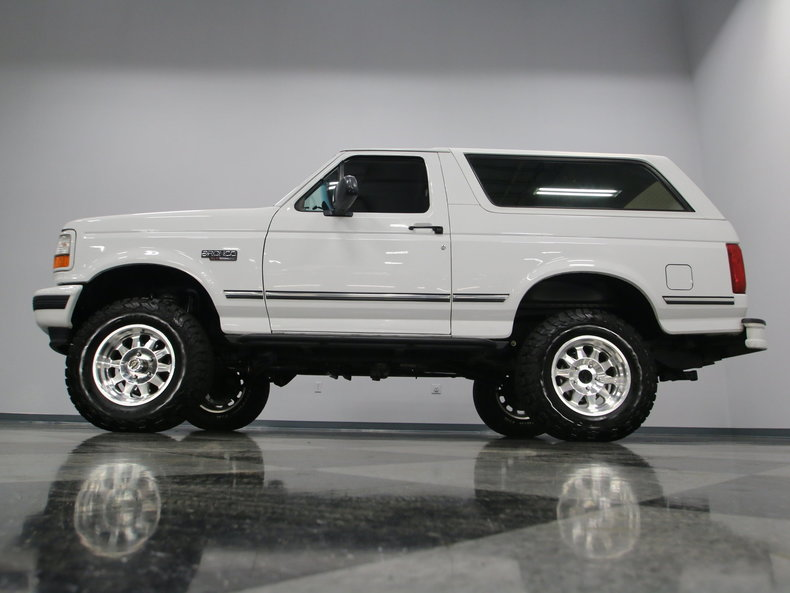 Crossroads Car Sales >> 1996 Ford Bronco | Streetside Classics - The Nation's Trusted Classic Car Consignment Dealer