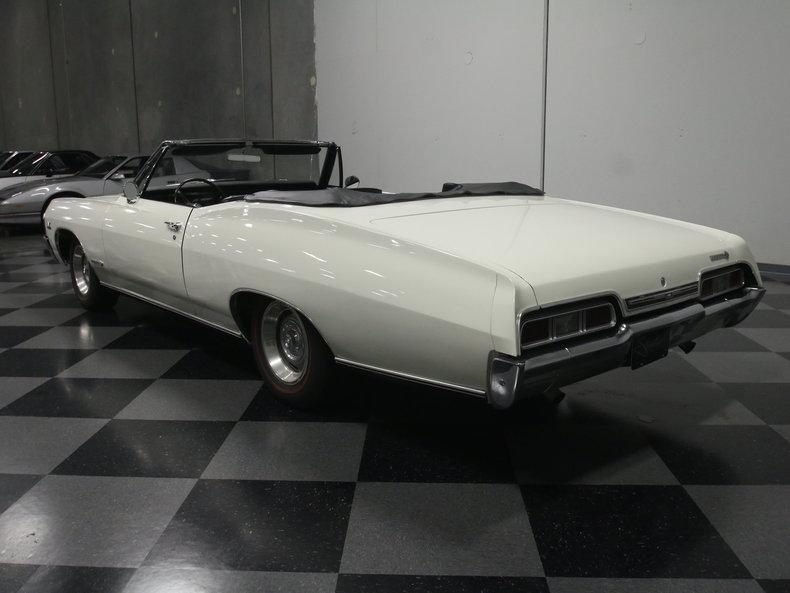 1967 Chevrolet Impala 22