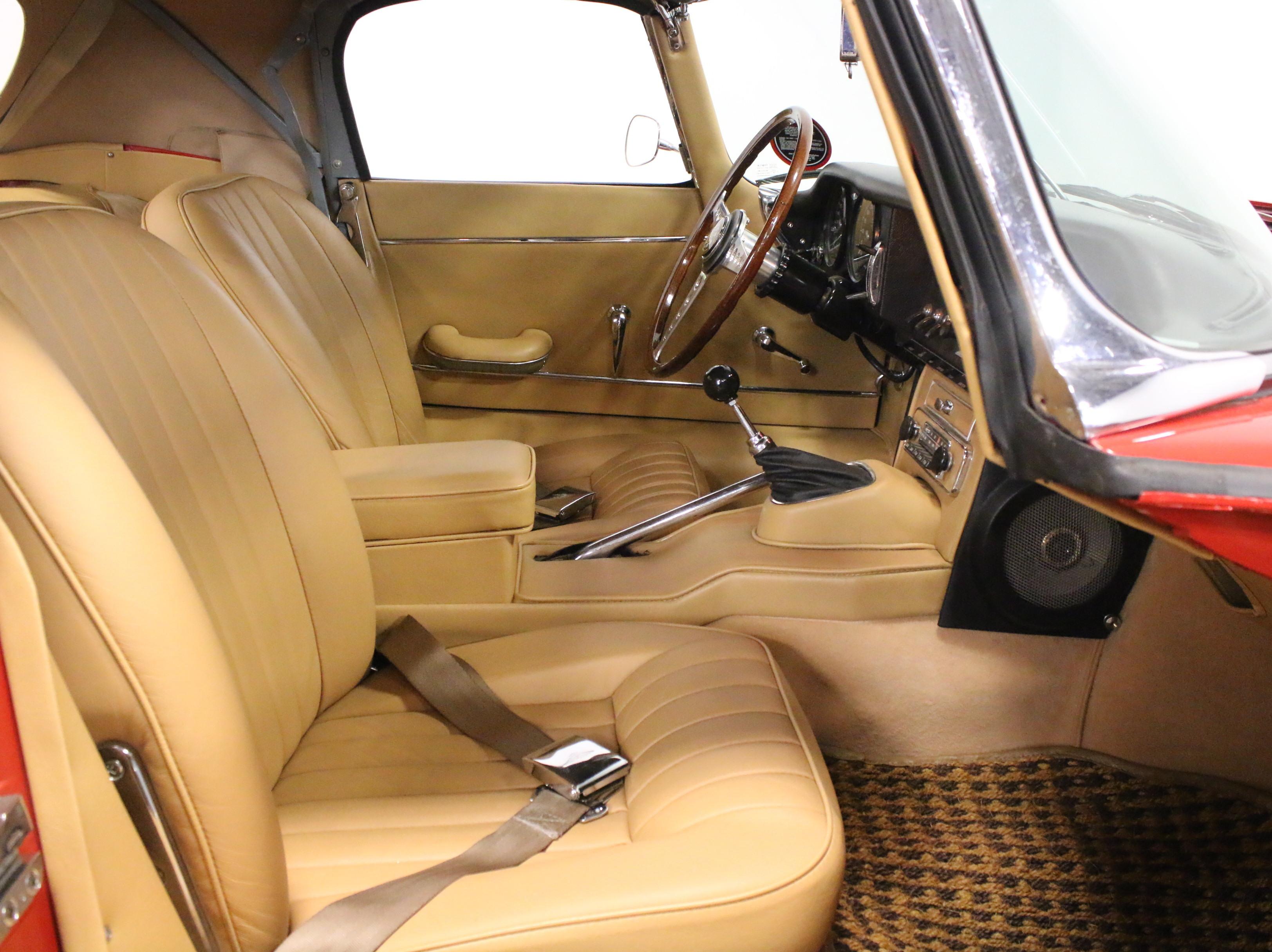 2337-DFW | 1967 Jaguar E-Type XKE Roadster | Streetside Classics