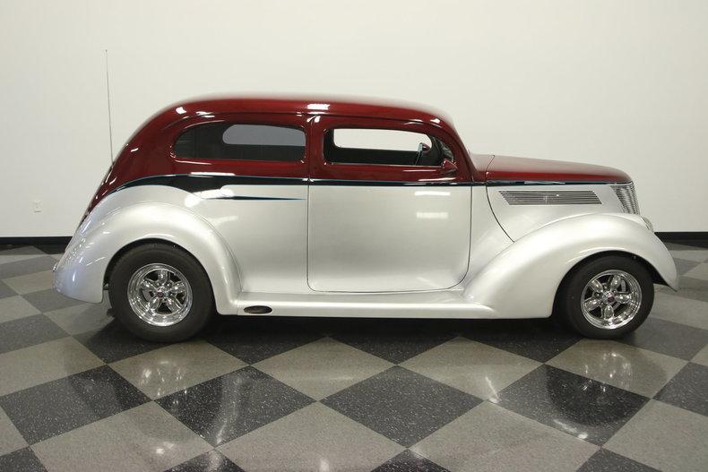 1937 ford 2 door sedan streetside classics classic for 1937 ford 2 door