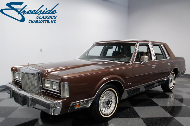 1987 lincoln town car streetside classics the nation s trusted rh streetsideclassics com 1990 Lincoln Town Car 1989 Lincoln Town Car