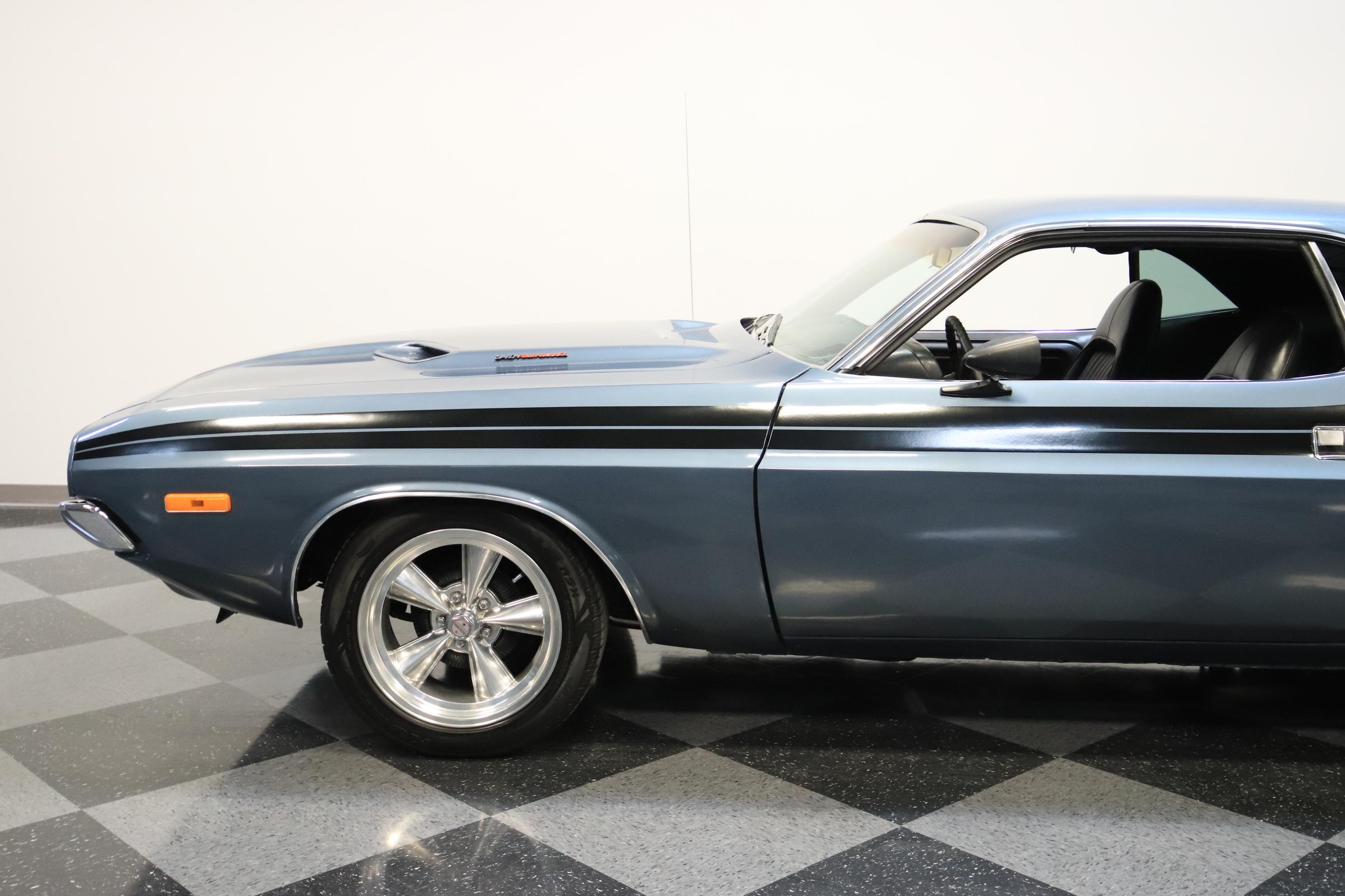 0001-PHX   1972 Dodge Challenger   Streetside Classics