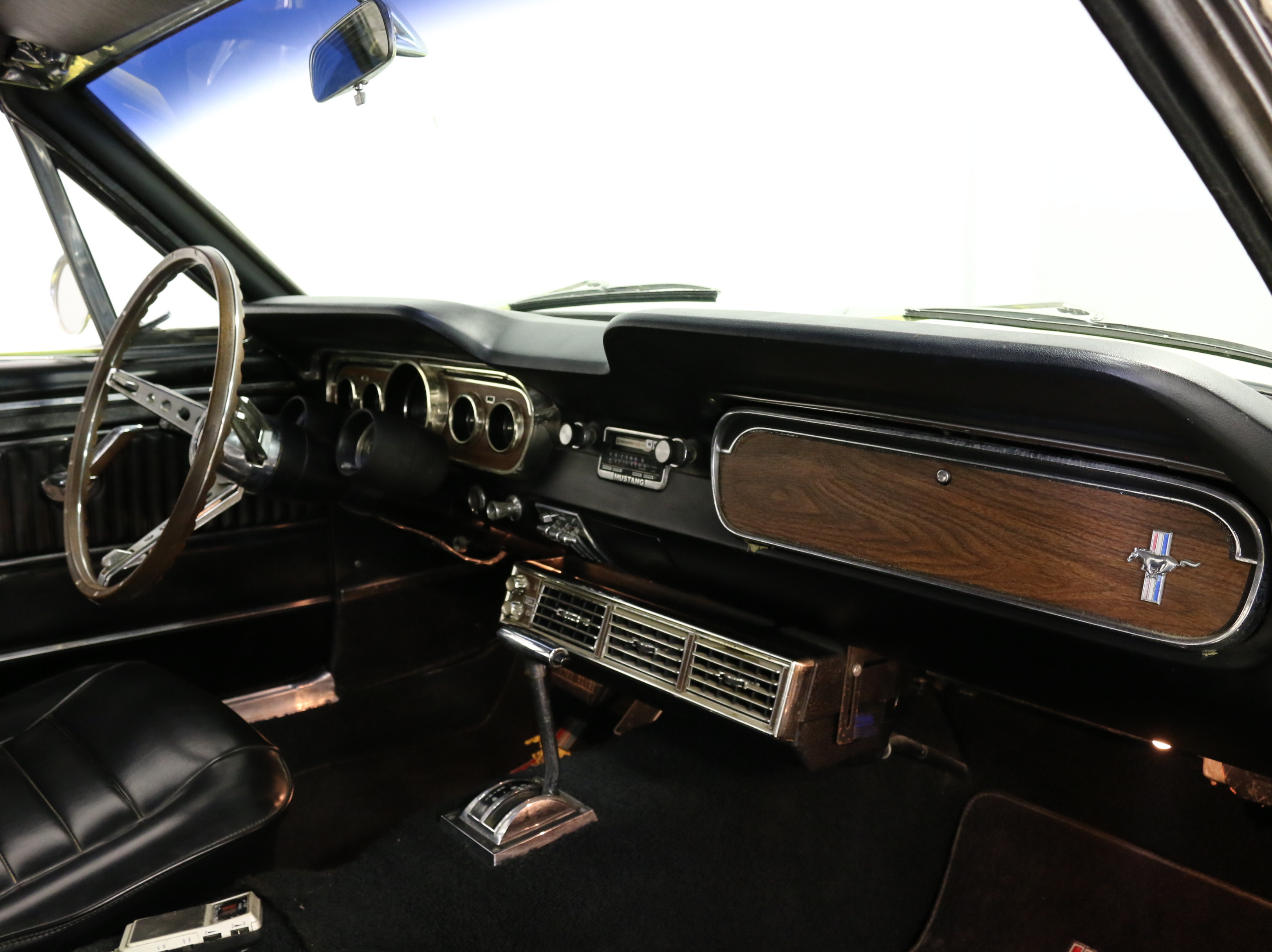 1965 Ford Mustang Convertible: SMOOTH RUNNING RAGTOP! 289 V8, AUTO, POWER TOP, SHARP PAINT, PONY INTERIOR, NICE