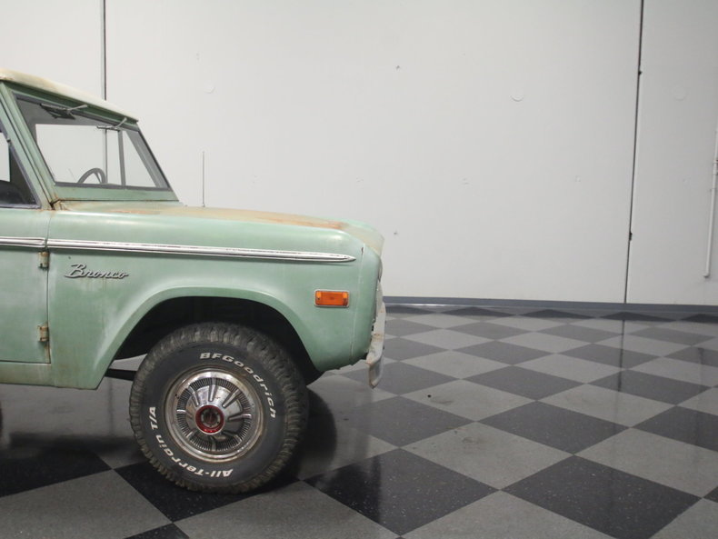 1976 Ford Bronco | Streetside Classics - The Nation\'s Trusted ...