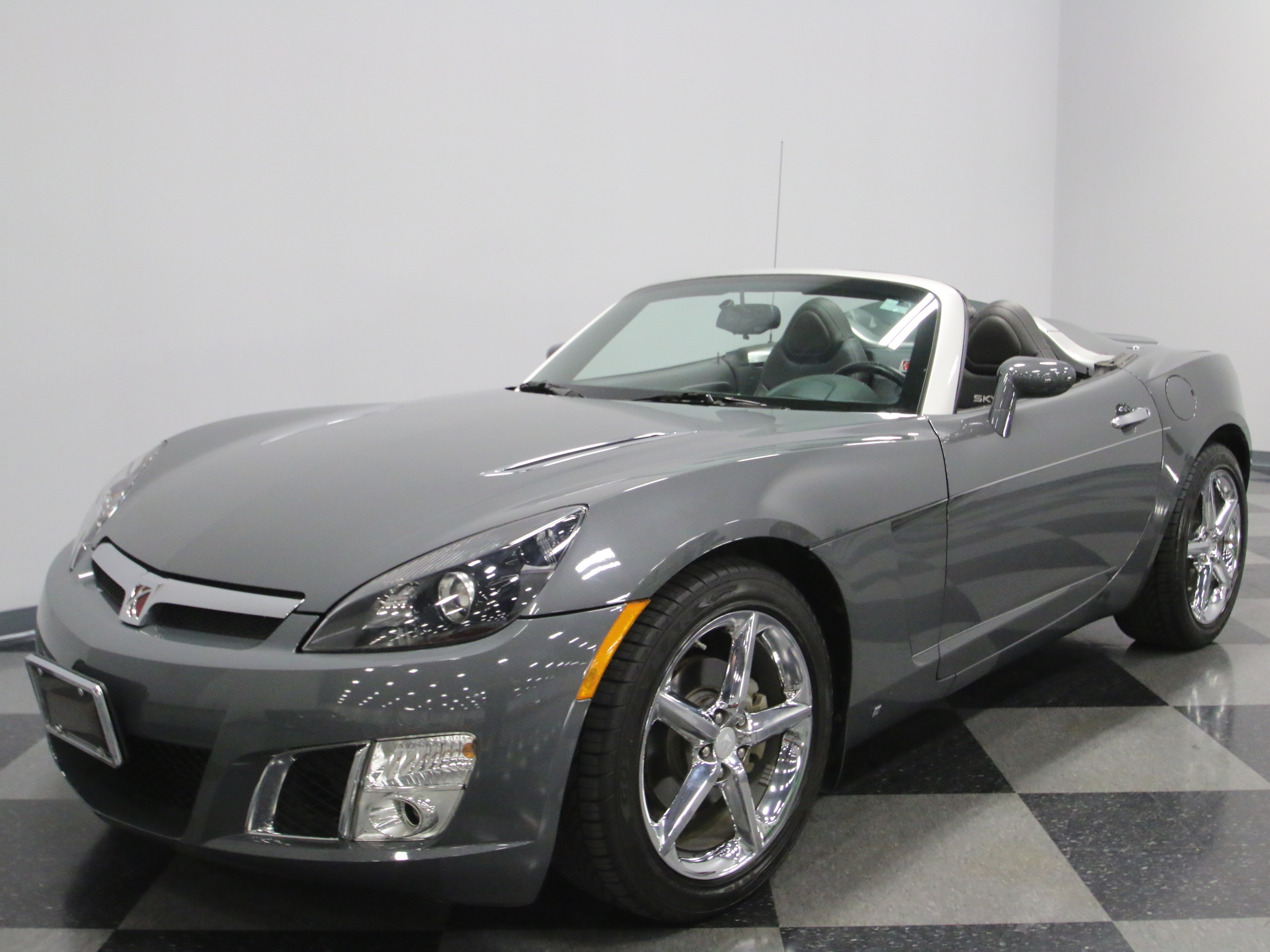 2009 saturn sky redline my classic garage. Black Bedroom Furniture Sets. Home Design Ideas
