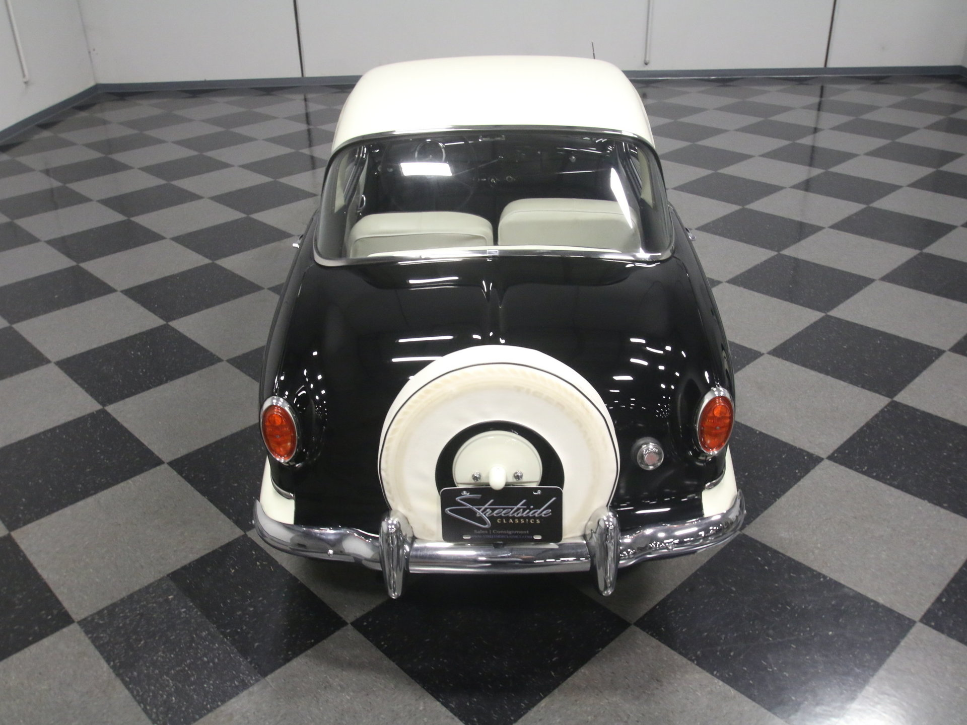 3930-ATL | 1957 Nash Metropolitan | Streetside Classics