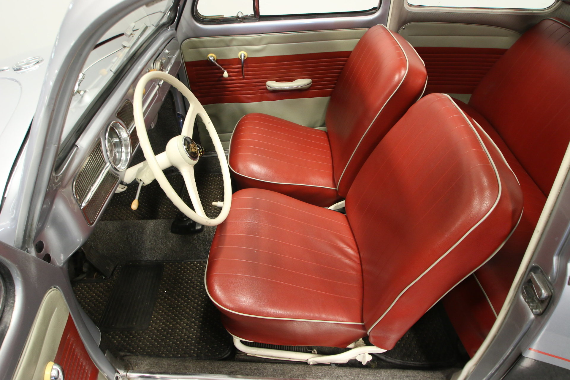 1960 Vw Beetle Seats Volkswagen Car Interior Driving Impression Source Streetside Classics The Nation S Trusted