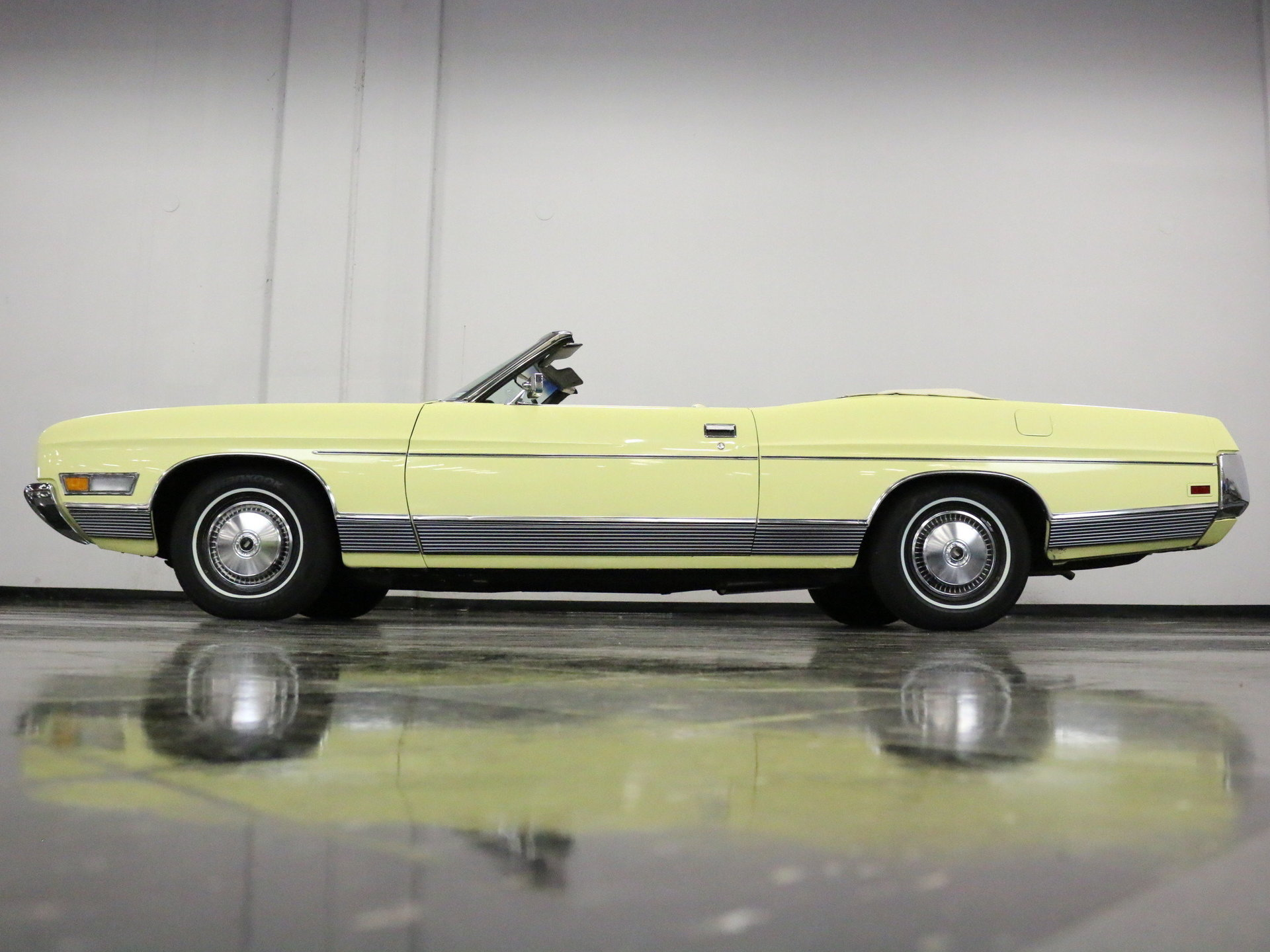 1972 Ford Ltd Streetside Classics The Nations Trusted Classic 1964 Convertible View 360