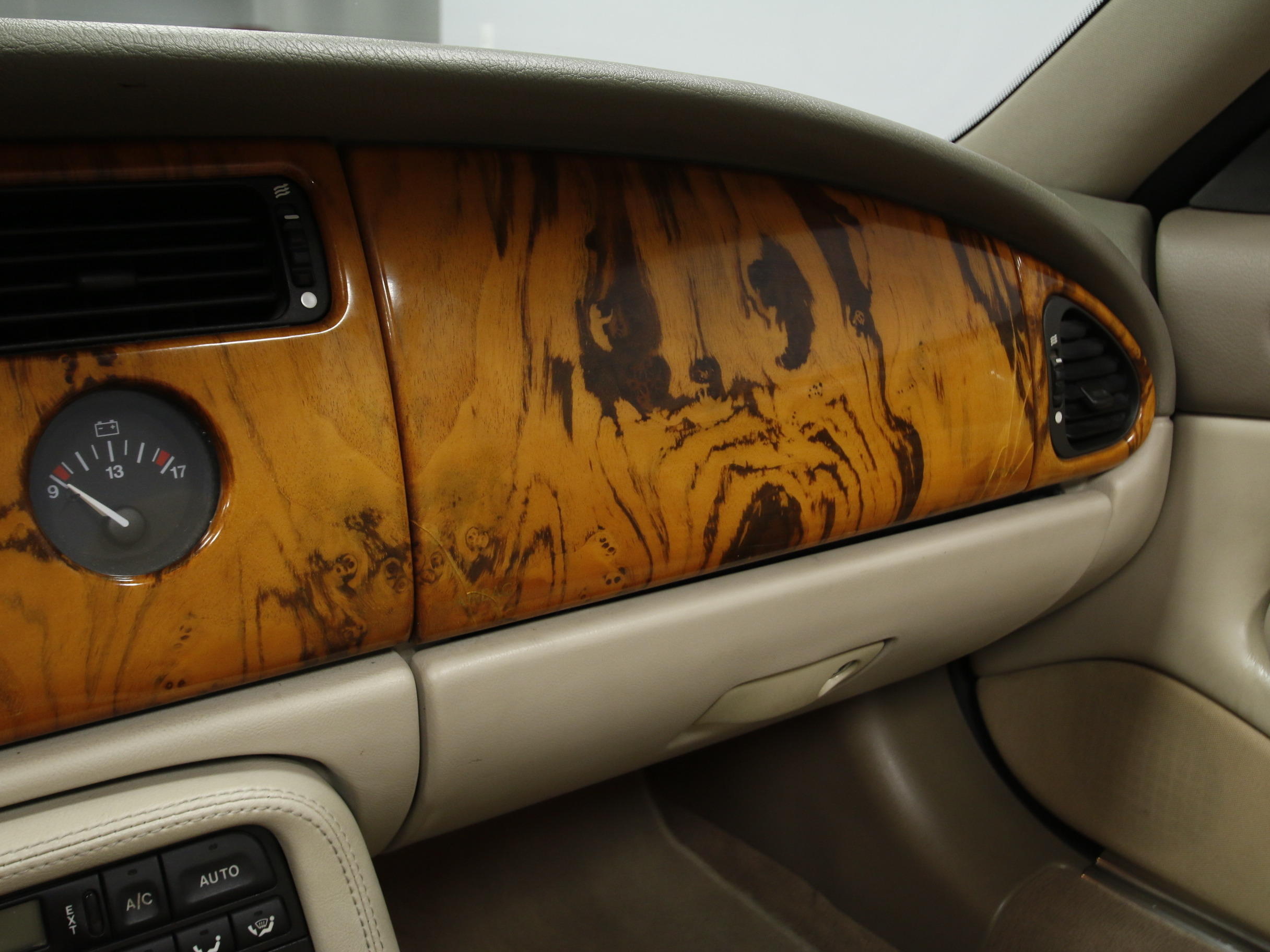 img location specification valley jaguar bure listings classics vehicle