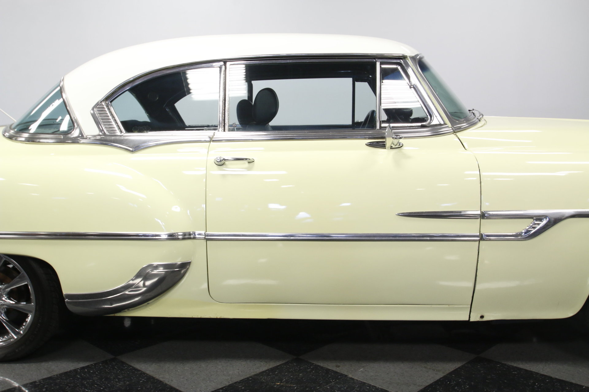 1953 Pontiac Chieftain Streetside Classics The Nations Trusted Sedan View 360