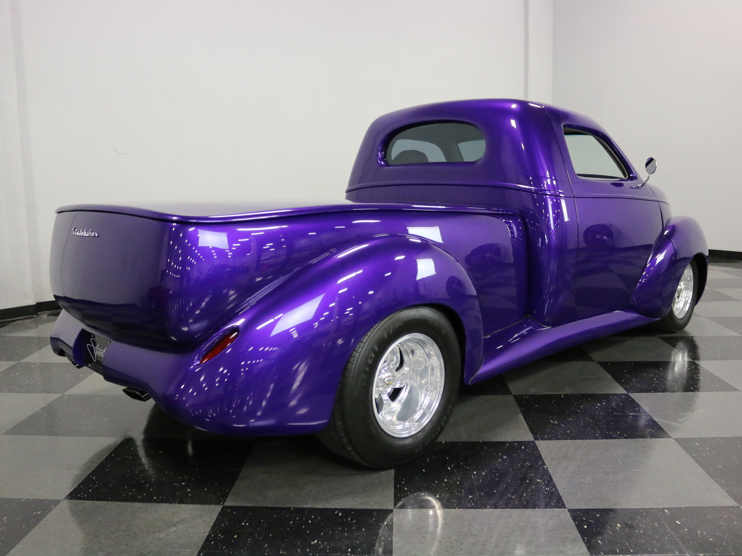 1939 Studebaker Pickup Restomod: GREAT PAINT, STRONG CRATE 350 V8, S-10 CHASSIS W/ AIR RIDE SUSPENSION, COLD A/C