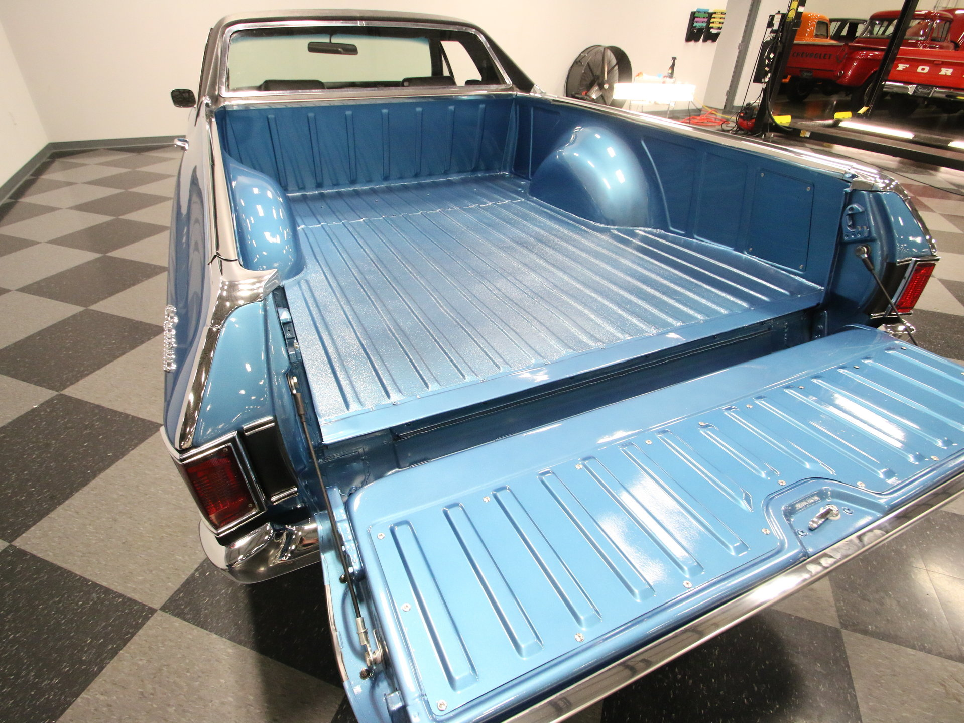 El Camino Ss Tailgate Paint Color