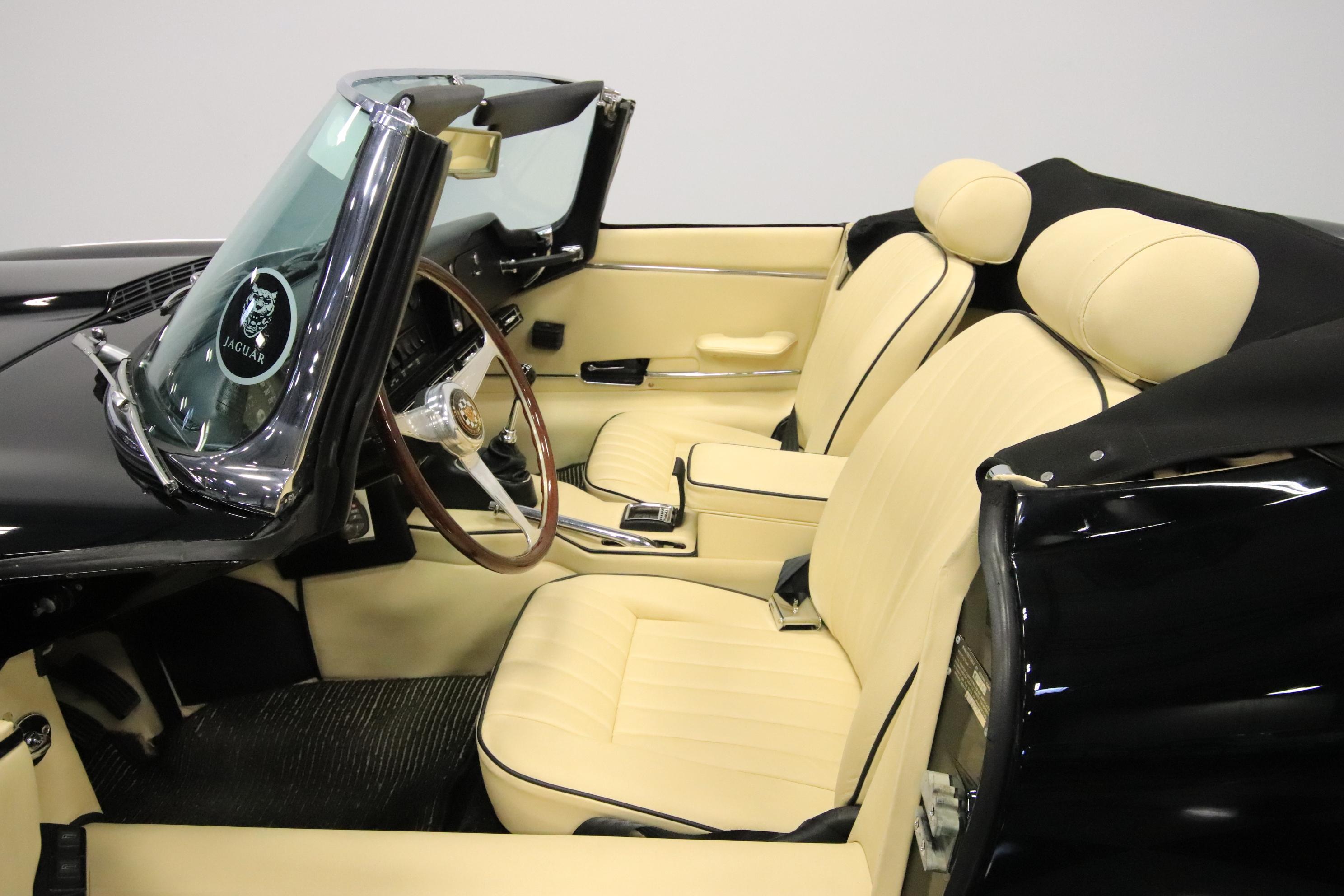 0149-PHX | 1970 Jaguar XKE Series 2 | Streetside Classics