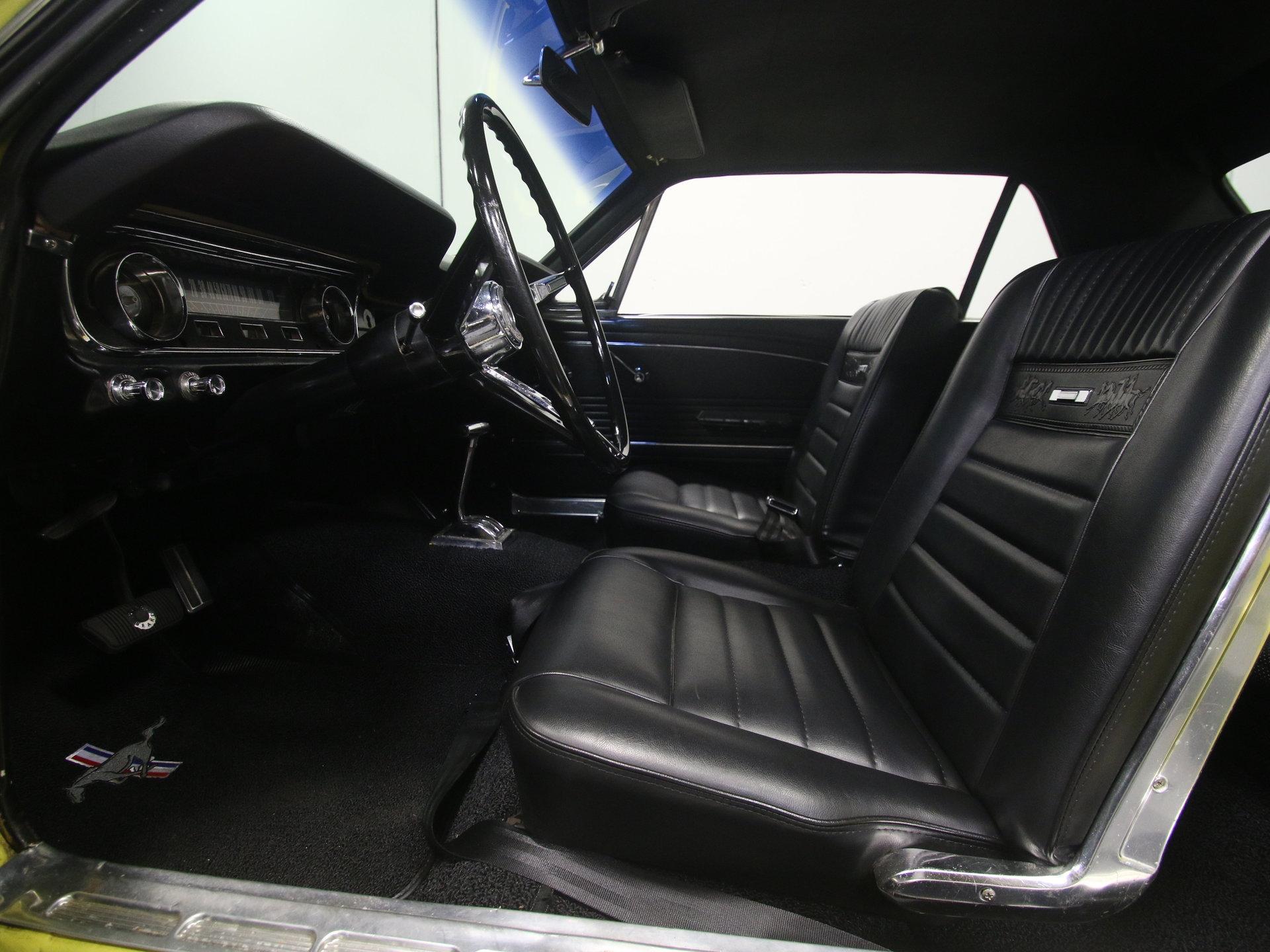 4072-ATL   1965 Ford Mustang   Streetside Classics
