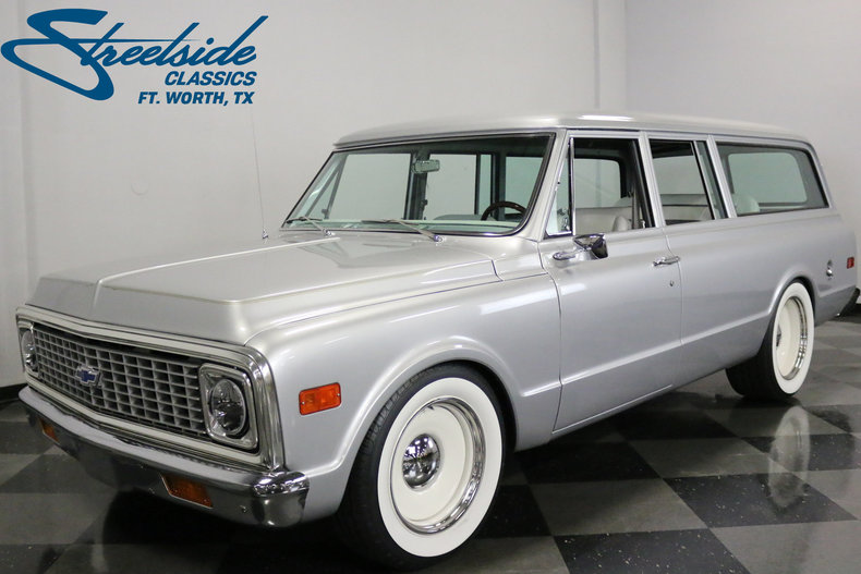 For Sale: 1971 GMC Suburban