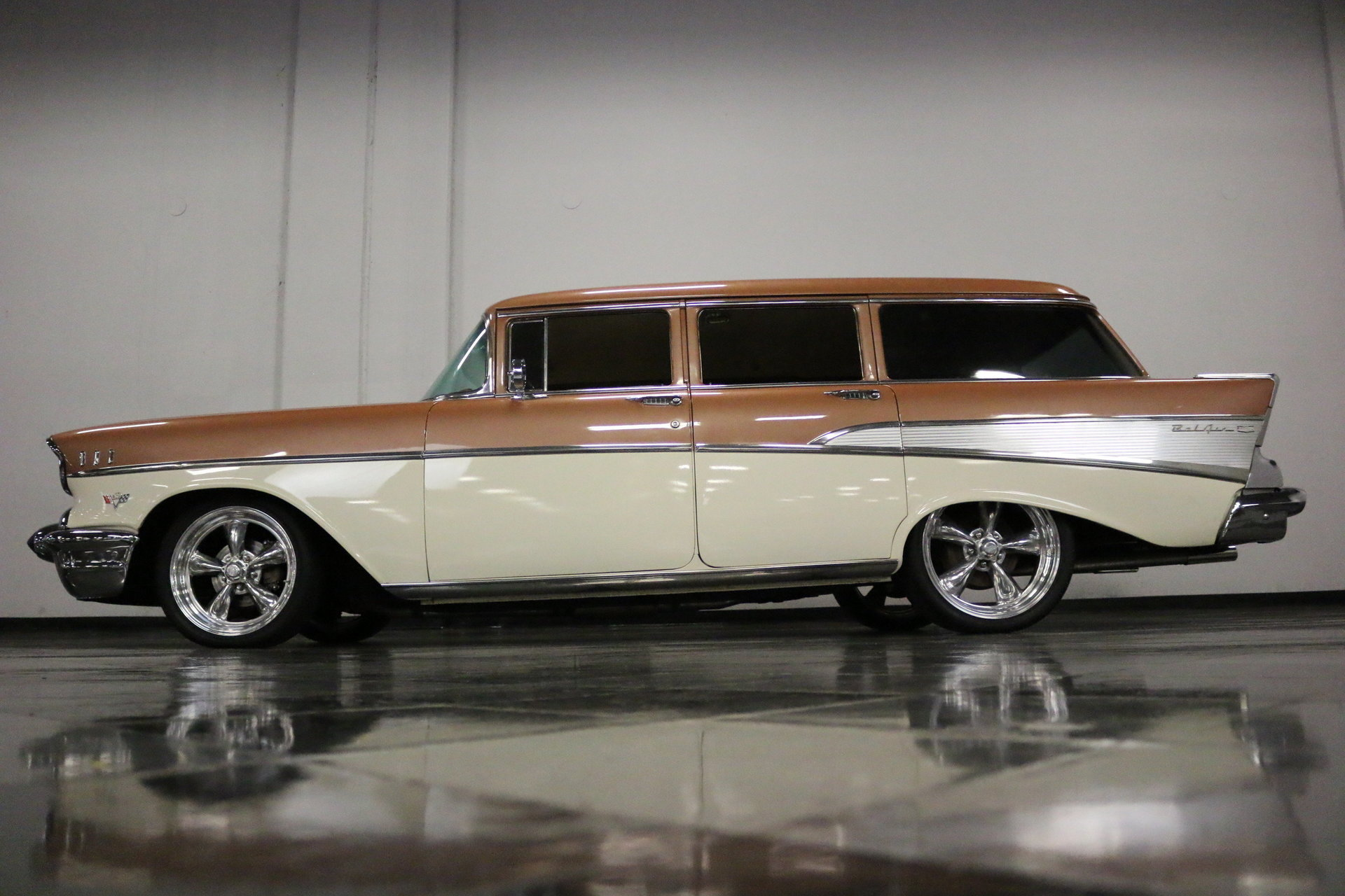 1957 Chevrolet 210 Streetside Classics The Nations Trusted Chevy Station Wagon View 360