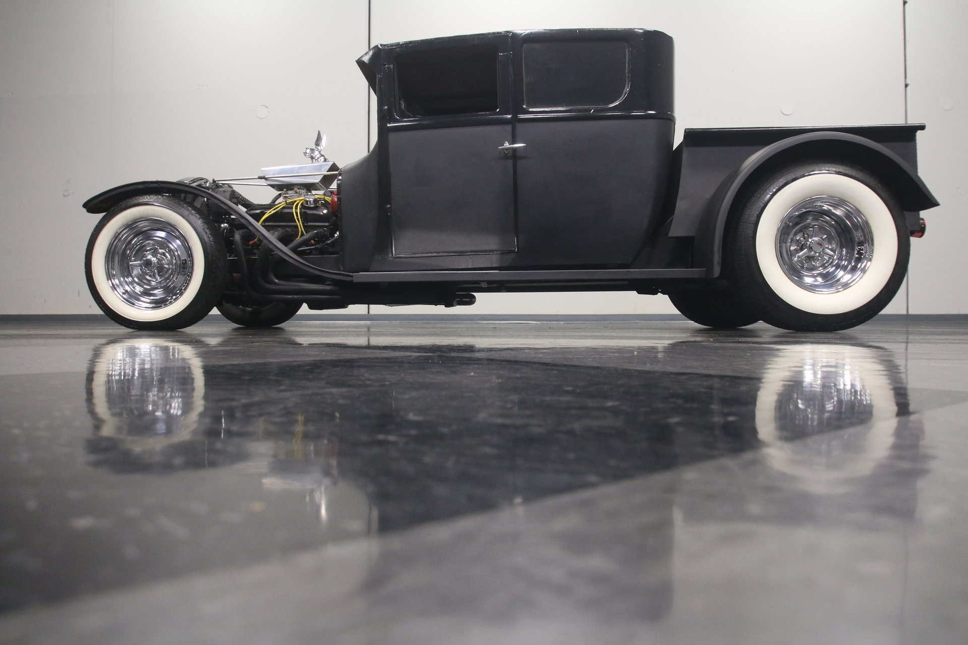 1927 Ford Model T | Streetside Classics - The Nation\'s Trusted ...