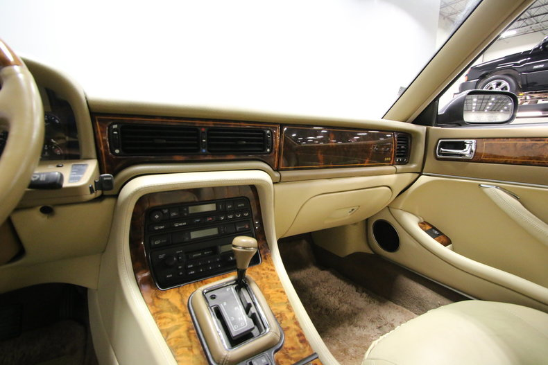 Nice 1996 Jaguar XJ 46