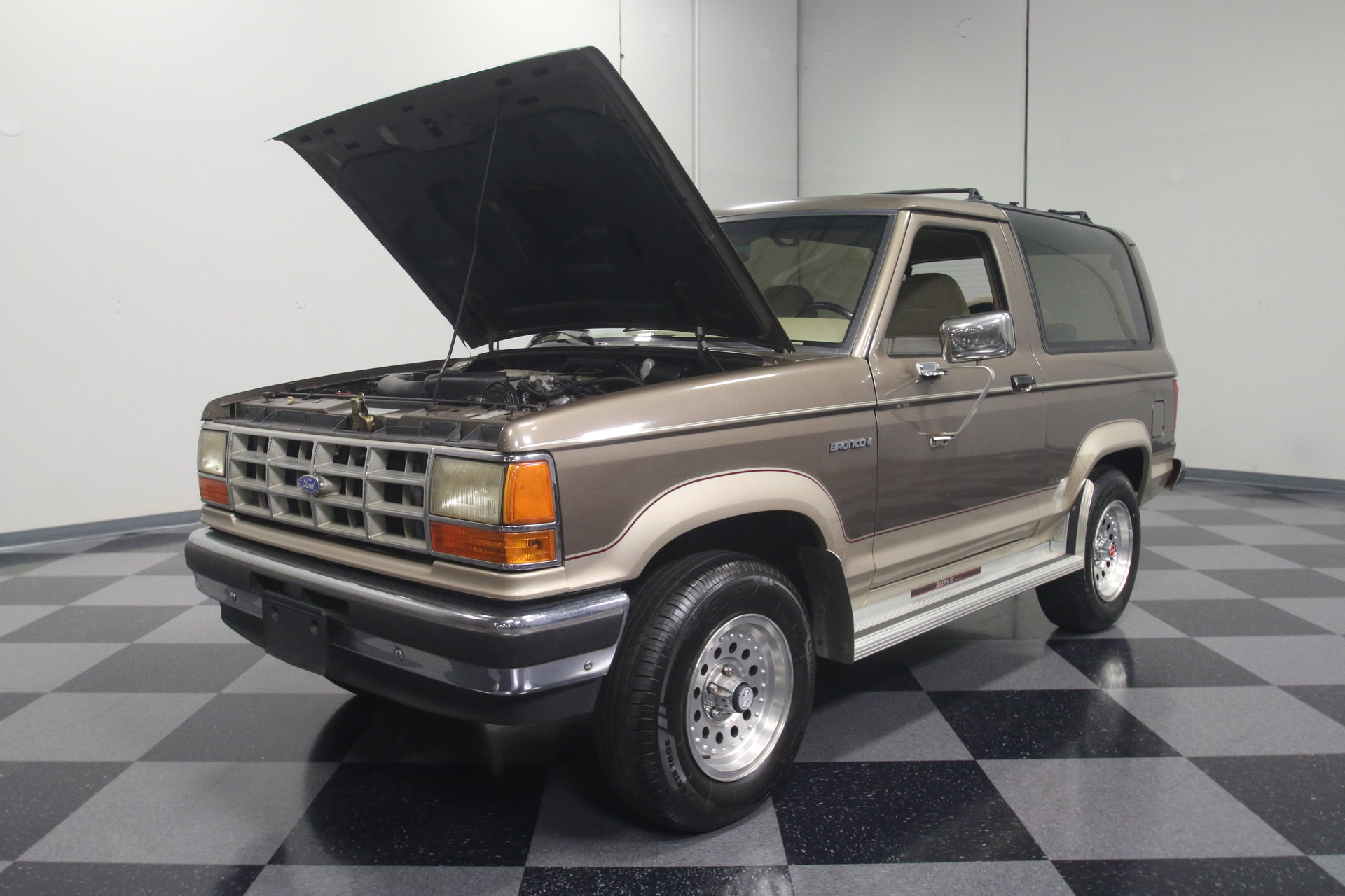1990 Ford Bronco Ii Streetside Classics The Nations Trusted View 360