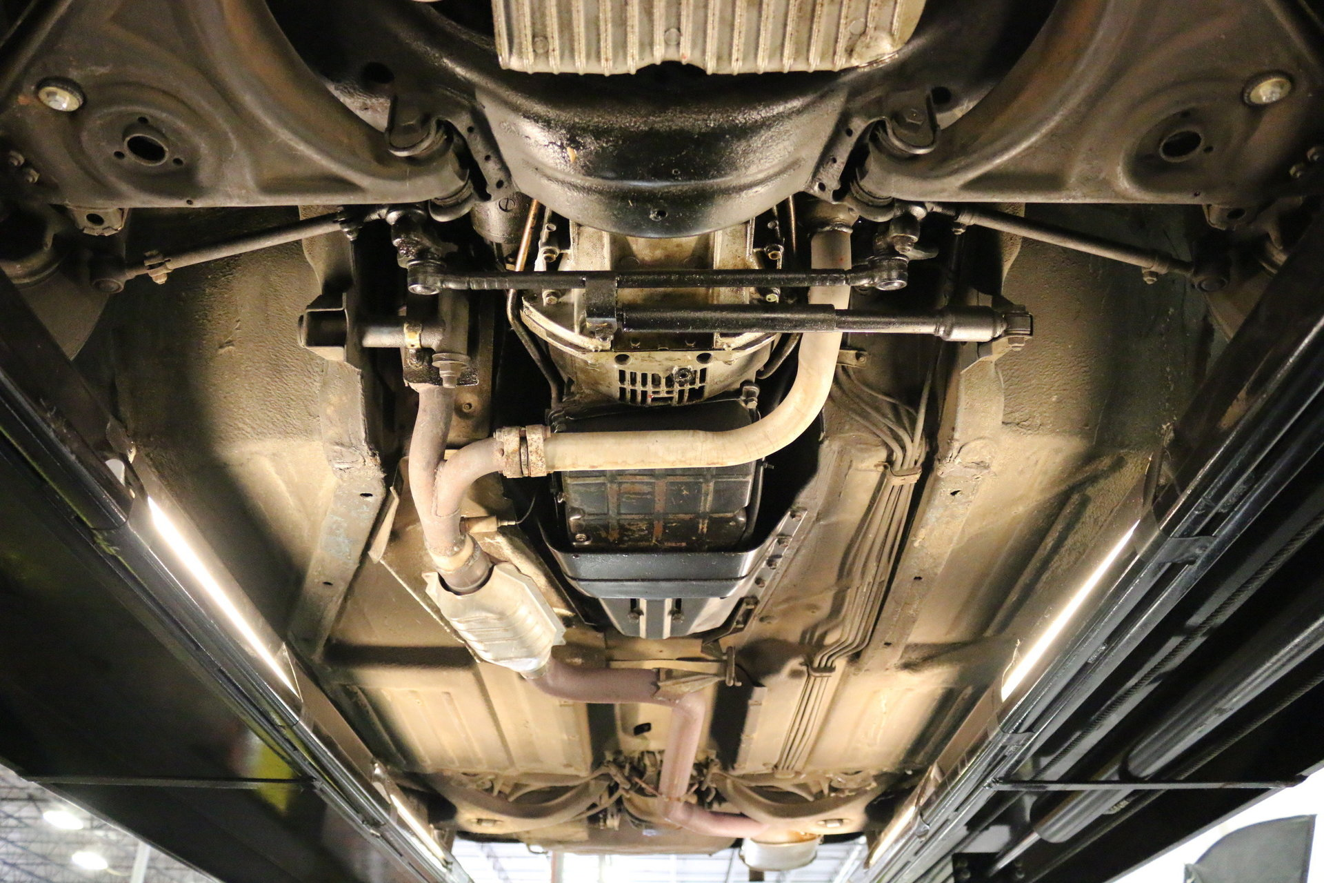 1984 Mercedes Benz 380sl Streetside Classics The Nations Engine Exhaust View 360