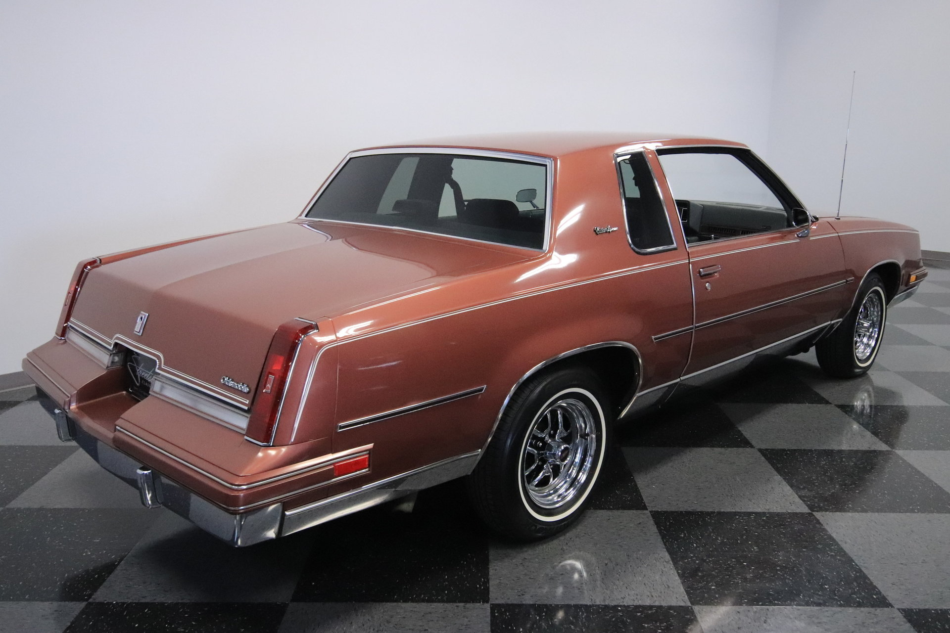 1986 oldsmobile cutlass supreme for sale 84098 mcg. Black Bedroom Furniture Sets. Home Design Ideas