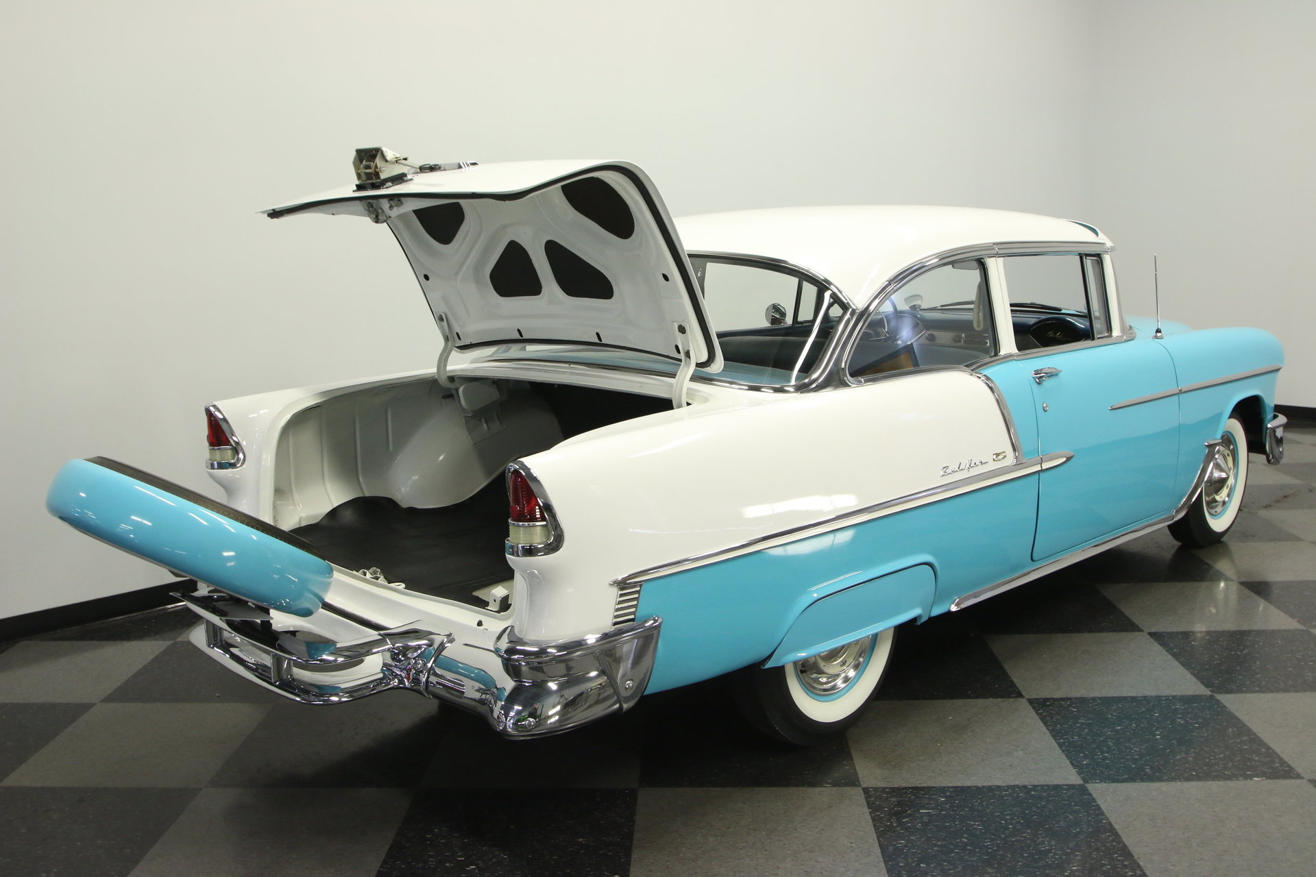 1955 Chevrolet Bel Air Streetside Classics The Nations Trusted 4 Door Spincar View Play Video 360