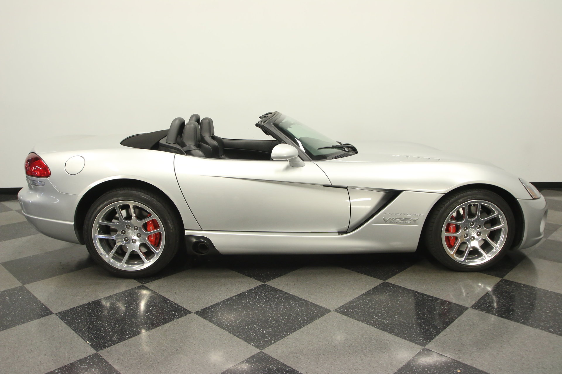 2004 dodge viper heffner twin turbo for sale 86245 mcg. Black Bedroom Furniture Sets. Home Design Ideas