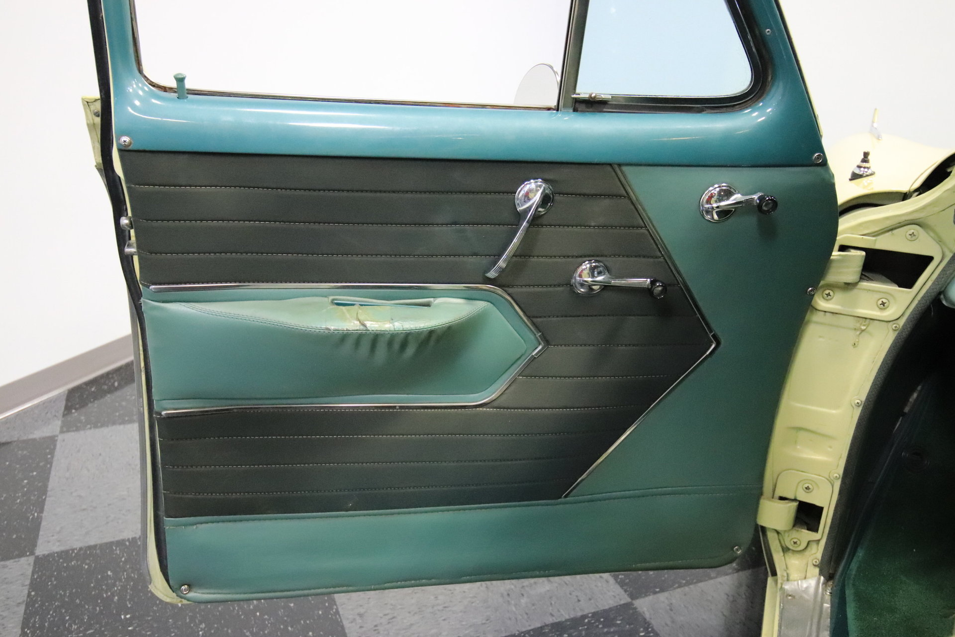 1954 Chevrolet Bel Air Streetside Classics The Nations Trusted 4 Door Spincar View Play Video 360